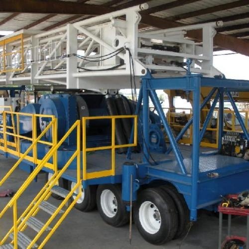 Skytop Brewster Model TR-800, 900 HP Trailer Mounted Drilling Rig