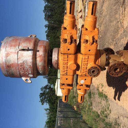 Hydrill Double RAM W/ Annular 7 1/16 BOP  3,000 PSI with 5K Flange