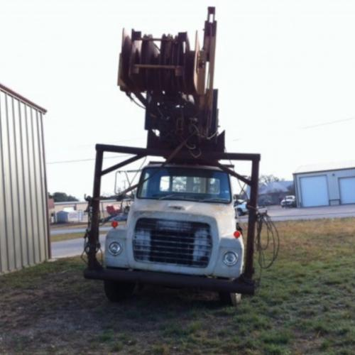 Workover Rig - D/D mounted on Ford Truck